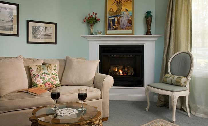 Luxury Berkshires Lodging with Fireplaces