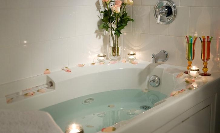 Our jacuzzi baths make us one of the best hotels in the Berkshires