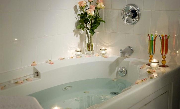 JACUZZI bath in our inn in Lenox MA