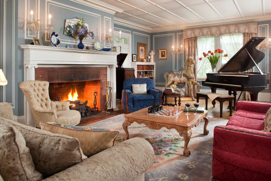 Cozy Fireplace in Hampton Terrace Common Room