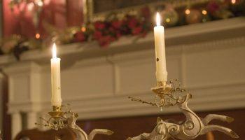 Holiday decorations at Hampton Terrace Inn