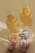 Champagne glasses with ribbon
