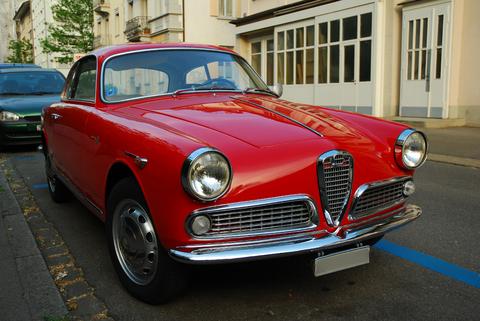 sexy_vintage_car