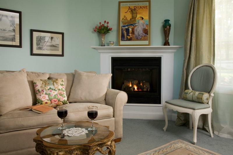 King Suite in Hampton Terrace Inn