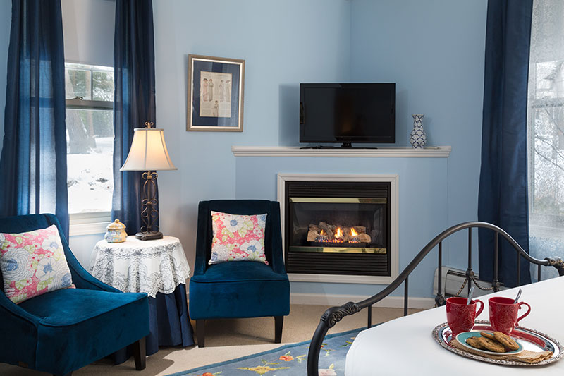 Romantic Fireplace Room at Hampton Terrace
